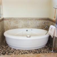 commonwealth-wandapottsbathroom-17